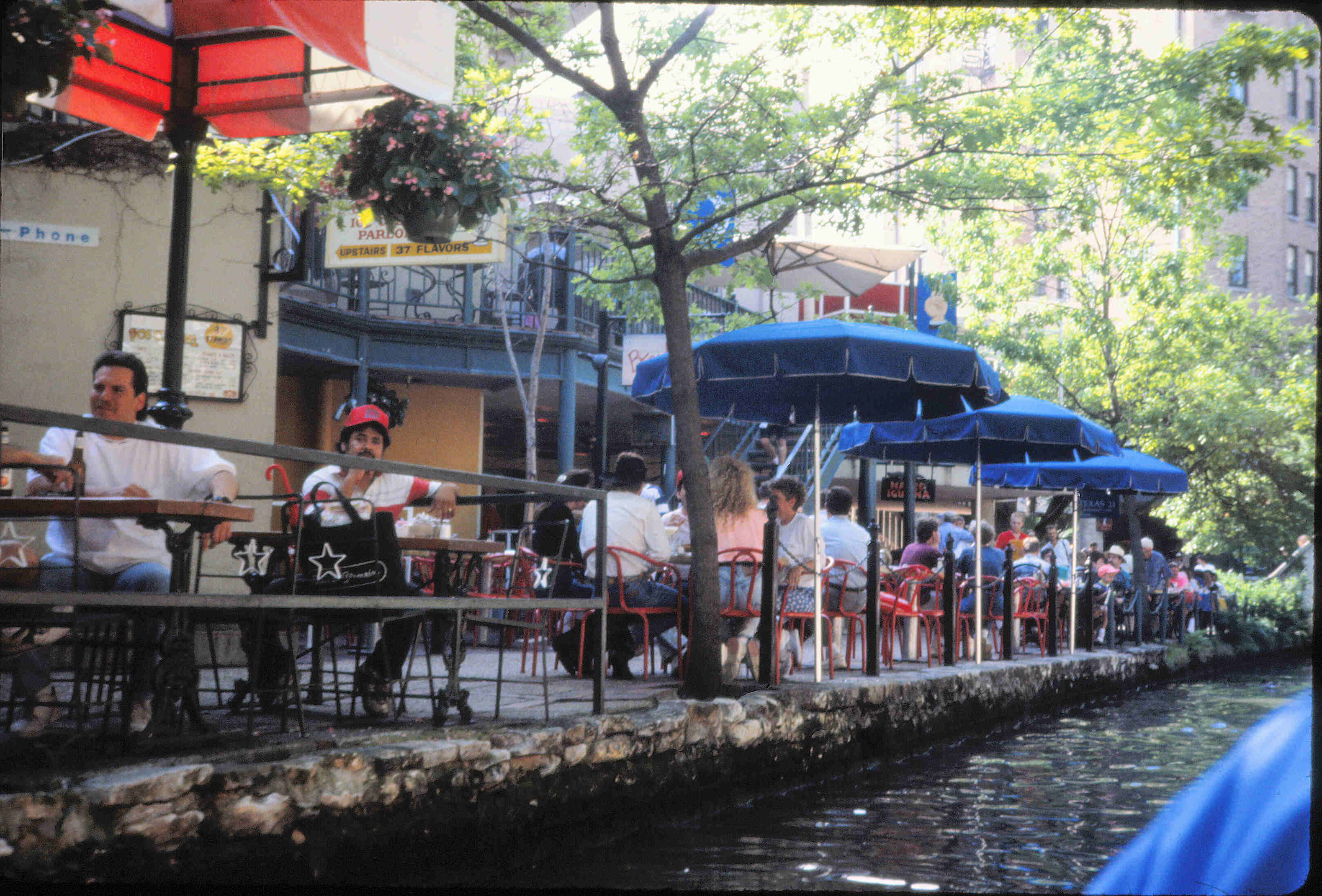 Trolleys San Antonio San Antonio Riverwalk